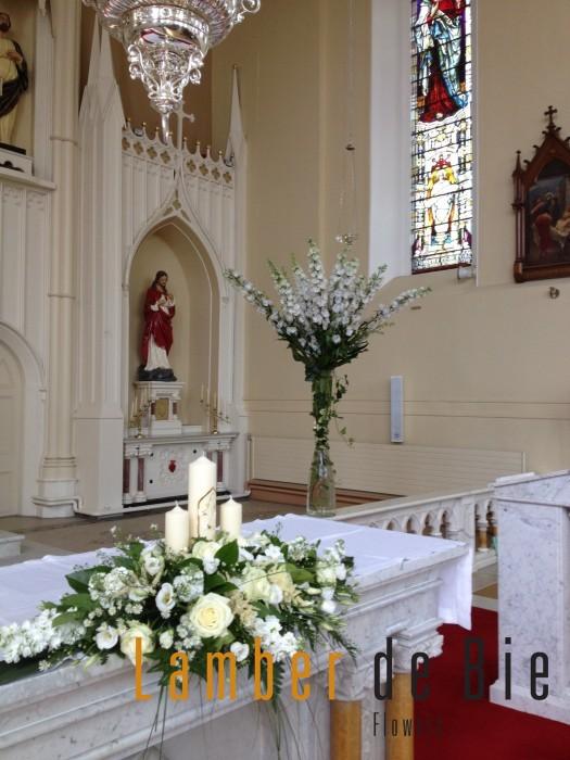 Awesome altar arrangements for weddings contemporary styles wedding flowers altar church flowers for wedding junglespirit